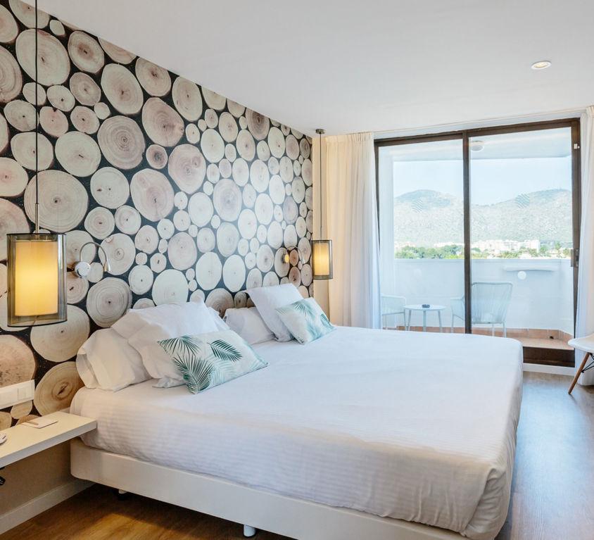 HOTEL ALUASOUL ALCUDIA BAY, MALLORCA